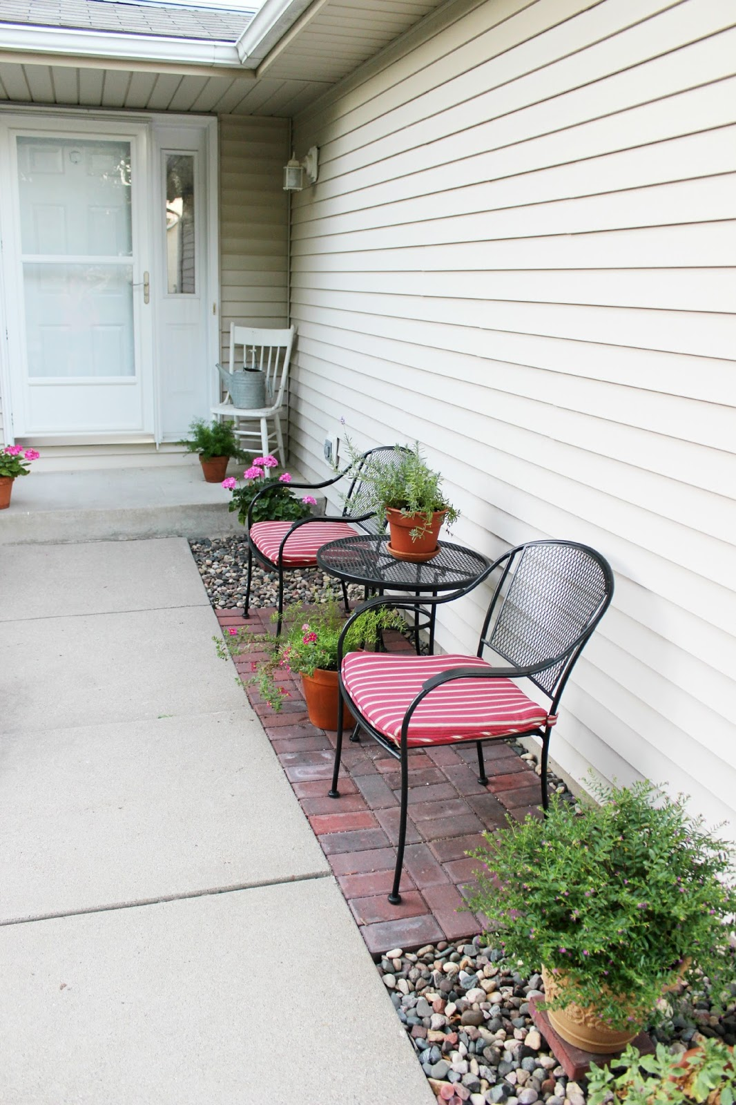 Happy At Home: Entrance Patio