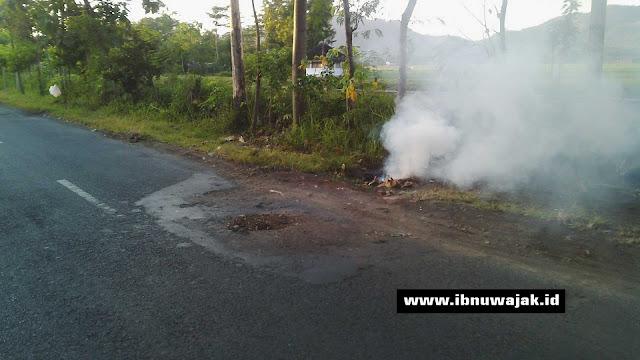 lubang besar di jalan kabupaten Tulungagung