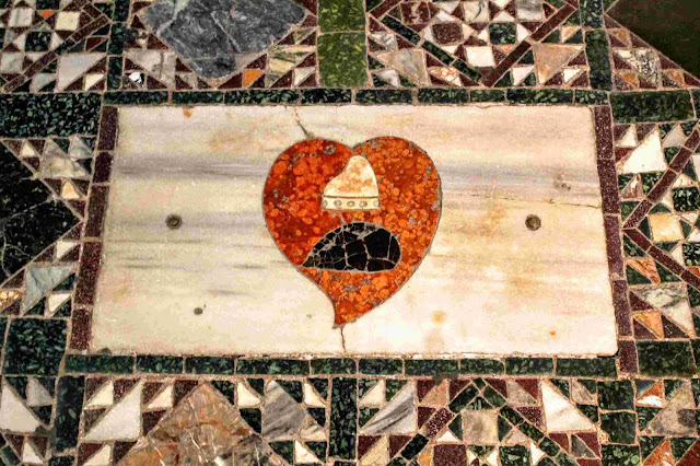 Plaque marking the spot where the heart of Doge Francesco Erizzo is interred, Basilica San Marco, Venice
