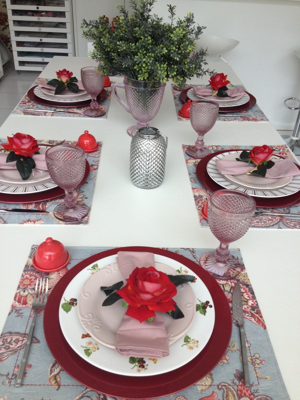 Louaria e Cia Mesa Vermelha e Rosa