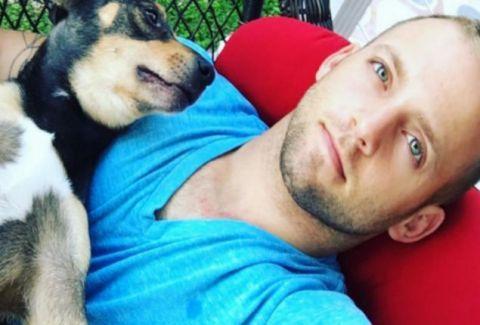 Όταν πέθανε ο σκύλος του έπαθε το σοκ της Ζωής του!