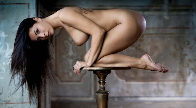 Uncensored nude art poses of attrartive woman with dark long hair and groovy perky tits pic 5