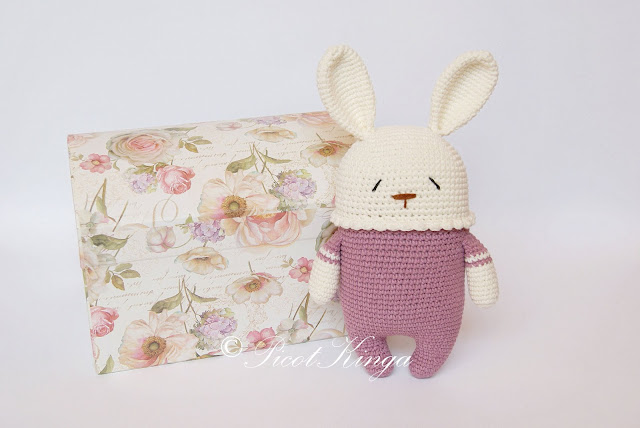 Szydełkowy królik przytulanka