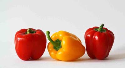 ماهو الفرق بين الفلفل الاحمر والاخضر والاصفر؟