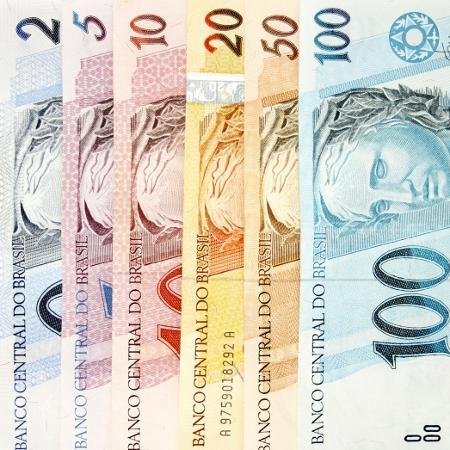 Temer não faz decreto, e salário mínimo fica em R$ 954 em vez de R$ 1.006
