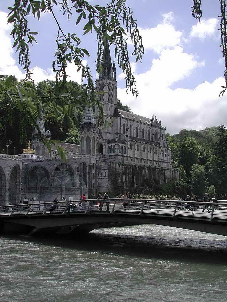 Lourdes, basilique du Rosaire