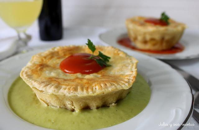 Pastel de carne o Meat pie floater. Julia y sus recetas