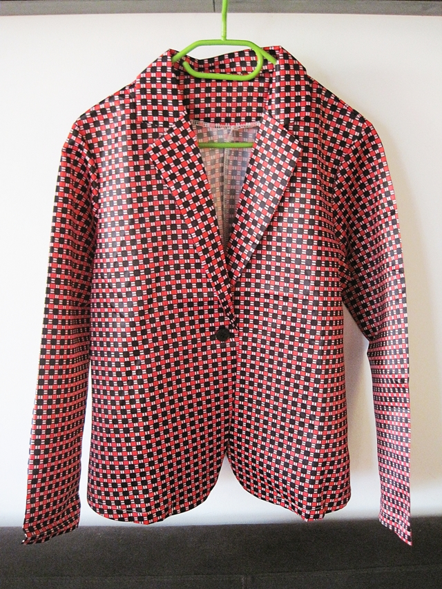 http://www.lovelywholesale.com/wholesale-fashion+long+sleevess+red+cotton+blend+blazer-g139821.html