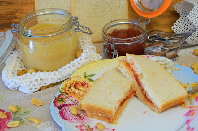 Las delicias de Mayte,  sandwich de mantequilla de cacahuete y mermelada (PB&J), sandwich de mantequilla de cacahuete y mermelada, PB&J, sandwich de mantequilla de cacahuete y mermelada el mas famoso de EEUU (PB&J), (PB&J),
