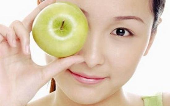 Mặt nạ táo xanh và sữa chua giúp căng da mặt hiệu quả