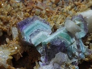 mehrfarbig zonierter Fluorit aus Thüringen