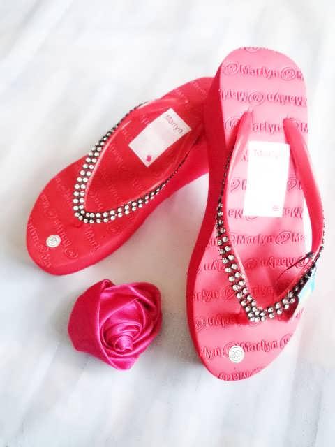 sandal Spon hak tinggi marlyn mute merah