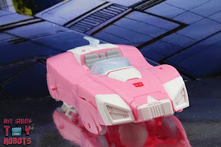 Transformers Kingdom Arcee 40
