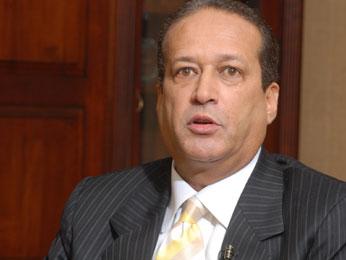 Secretario general del PLD y presidente del Senado Reynaldo Pared Pérez regresa al país para iniciar tratamiento contra cáncer que padece
