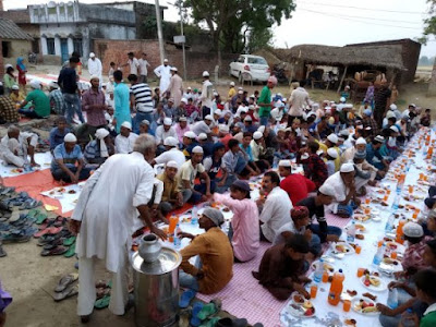 Hindu Organised Roza Iftar Party For Muslims Uttar Pradesh