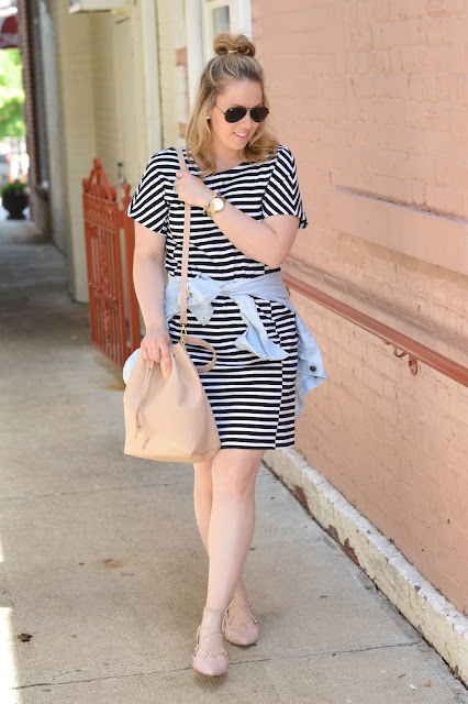 black-white-stripe-dress-outfit