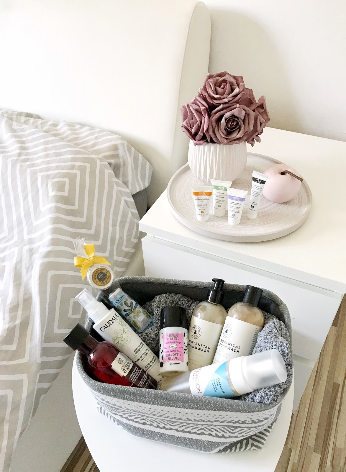 caudalie make-up removing oil, the body shop roots of strenght firming essence, oliv' ultra smooth face care, greenfrog botanic, l'occitane hand cream, mulondon, ren skincare