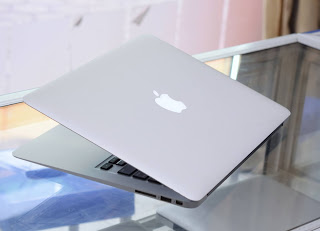 MacBook Air Core i5 ( 13 Inch ) Early 2014 Malang