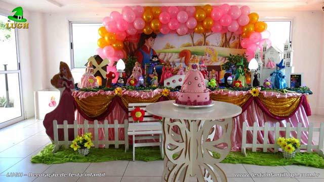 Decoração de mesa de aniversário tradicional luxo A Bela Adormecida - Princesa Aurora - Festa feminina