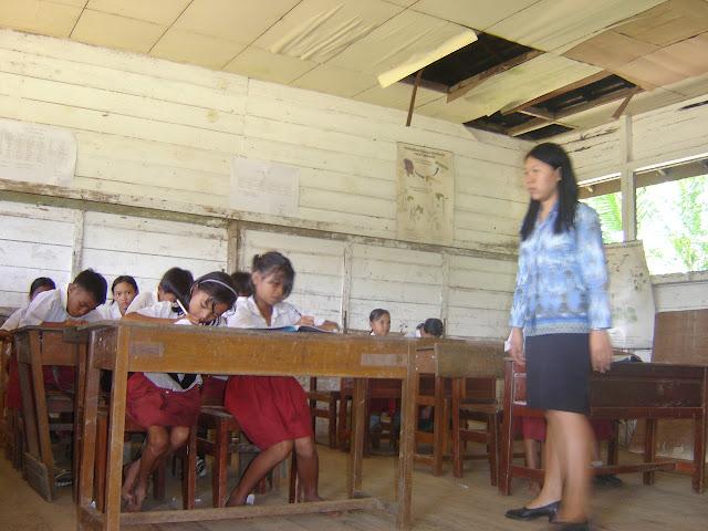 Keistimewaan Guru Honorer Pahlawan Tanpa Tanda Jasa Harus Kuat Bertahan