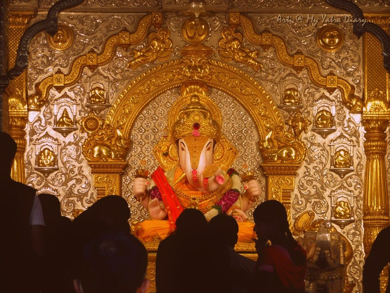 Take His blessing - Shreemant Dagduseth Halwai Ganpati Temple, Pune - India