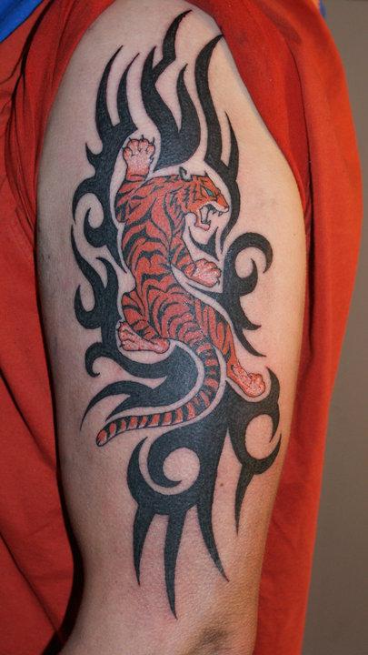 Tribaali Tatuointi