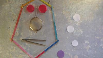 Imagem com atividades para as crianças com deficiência
