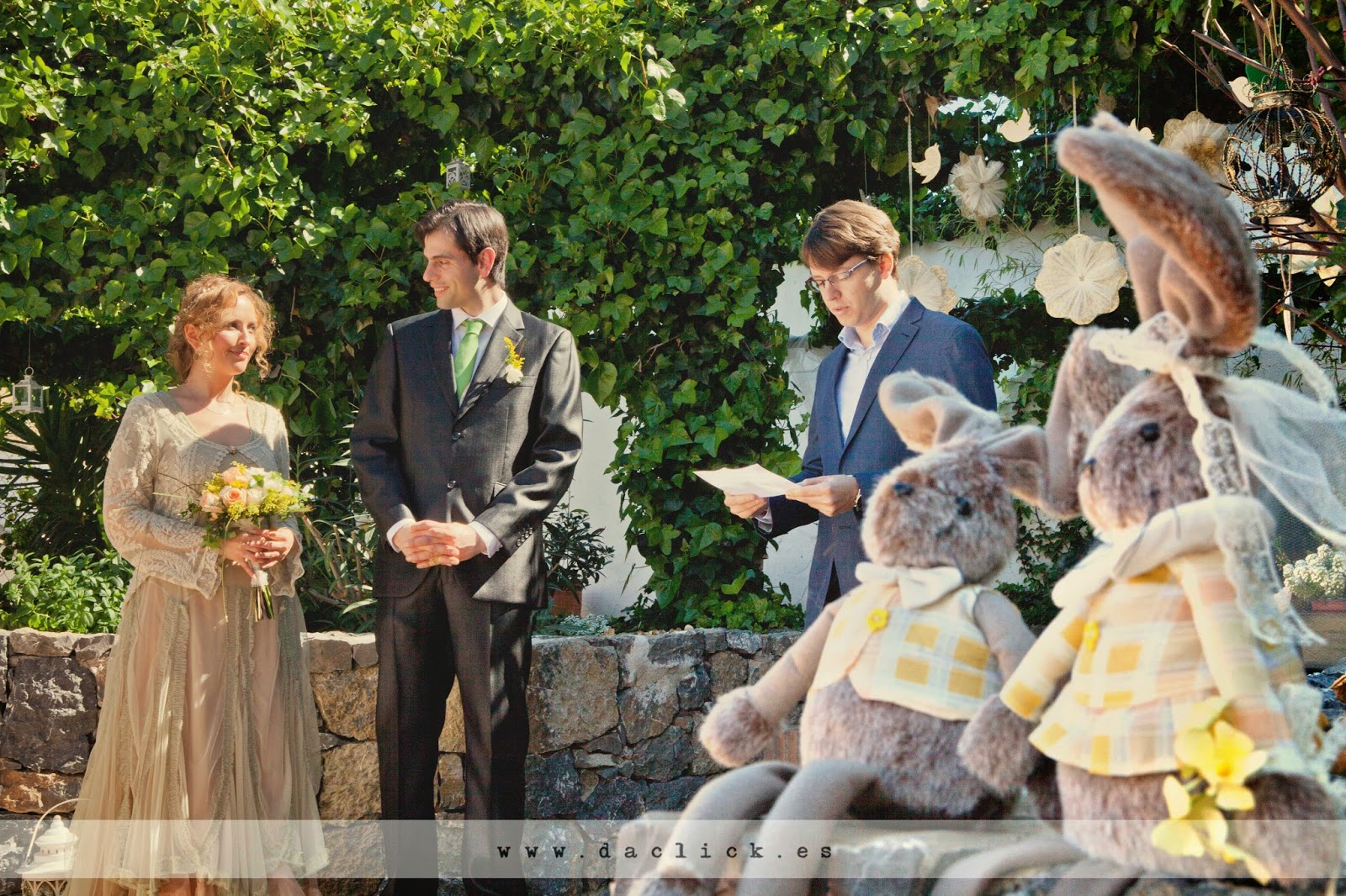 concejal oficiando la ceremonia de casamiento