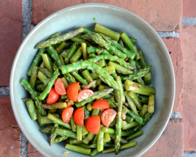 Easy Sautéed Asparagus, another quick healthy vegetable ♥ AVeggieVenture.com. Loaded with garlic plus optional anchovies.
