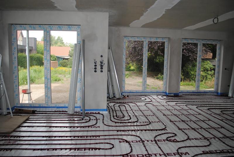 unser hausbau mit t njes und meichsner die fu bodenheizung. Black Bedroom Furniture Sets. Home Design Ideas