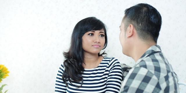 13 Tanda Dia Cuma Berusaha Ramah Padamu, Bukan karena Ada Rasa