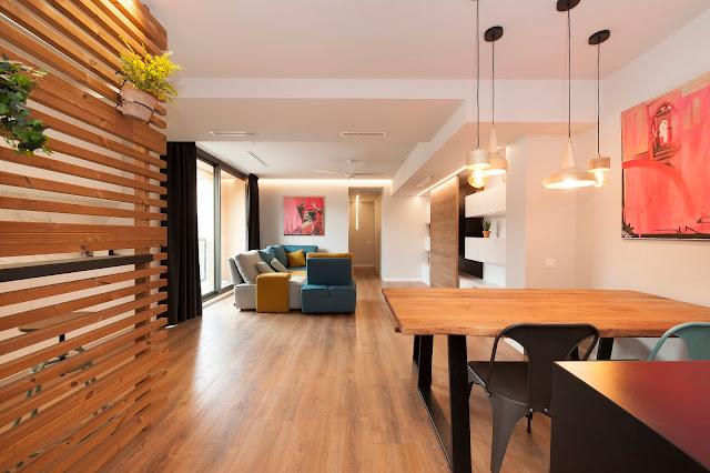 Reforma de un espacio industrial en vivienda en el barrio de Almeda / Sincro