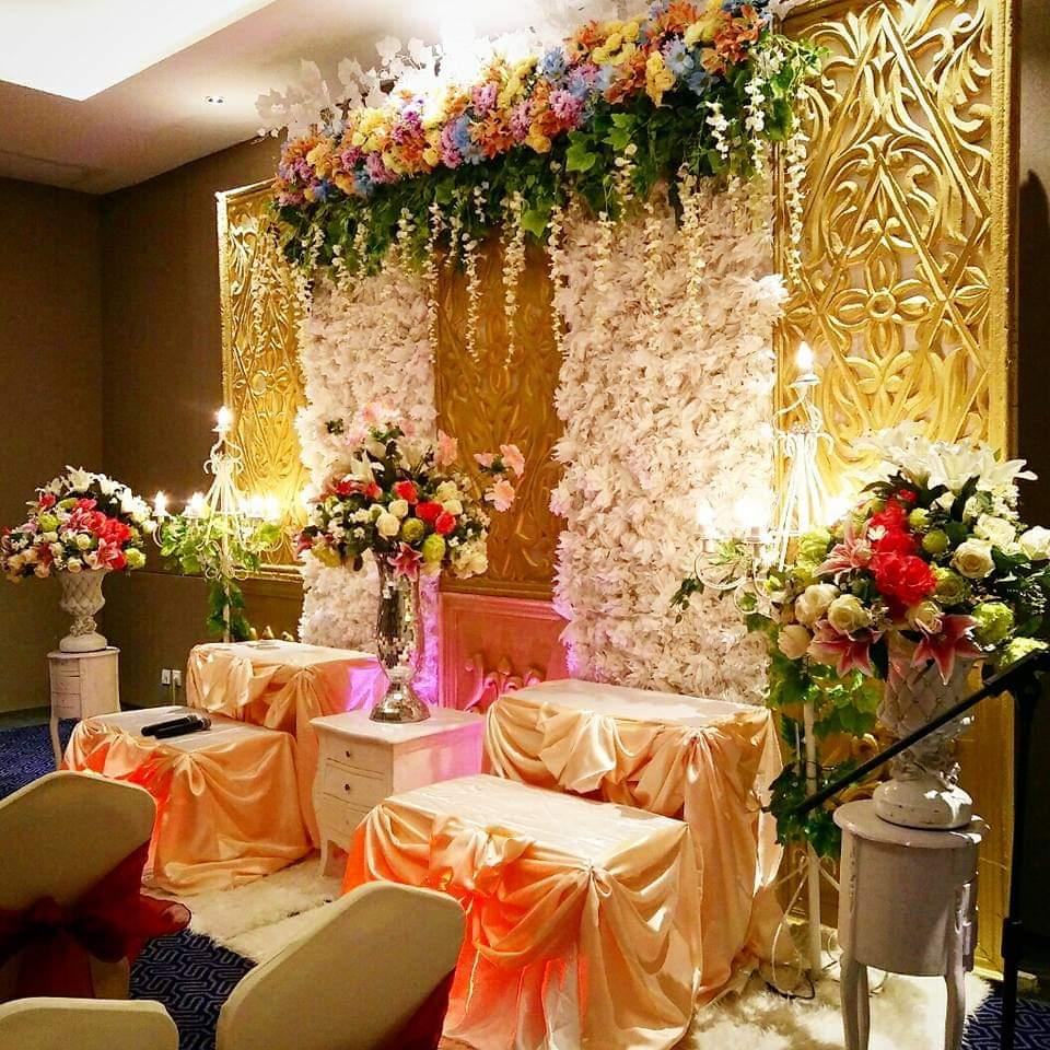Jasa Vendor Dekorasi Bunga Pelaminan 030