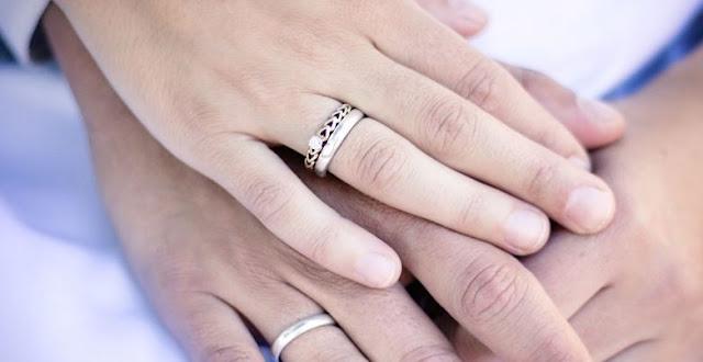 https://www.abusyuja.com/2019/12/meminang-wanita-yang-telah-dipinang-orang-lain.html