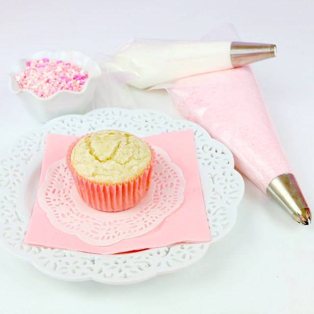 Video How To Frost A Cupcake My Favorite Bakery Style