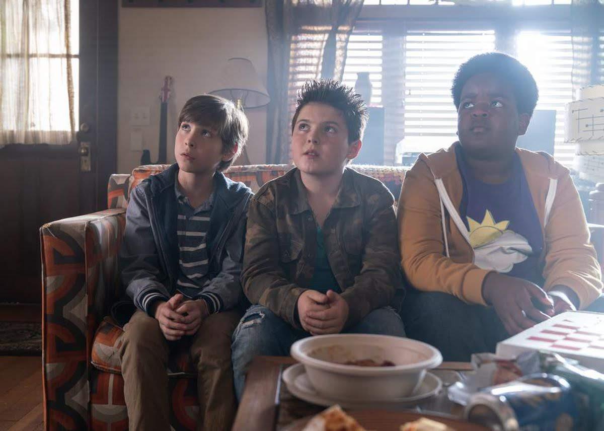 Good Boys : 映画の題名は「よい子」でも、けして絶対によい子に観せてはいけない小学生の悪友トリオが巻き起こす珍騒動を描いた大人向けのキッズ・コメディ「グッド・ボーイズ」の予告編を初公開 ! !