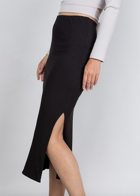 Ribbed Side Slit Skirt