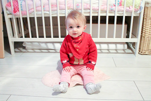 baby christmas jumper and christmas bib