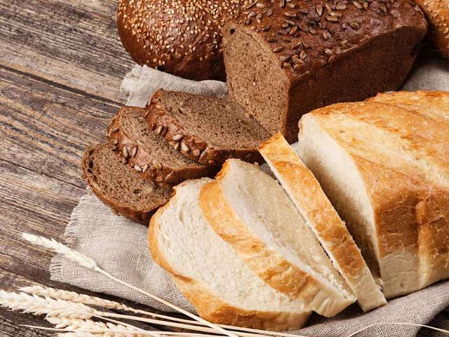 Esta es la diferencia entre el pan blanco y el integral