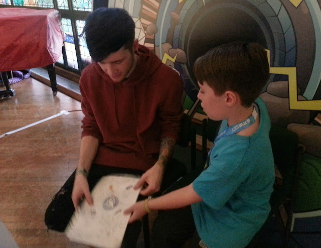My son meeting Dan TDM on the live tour.
