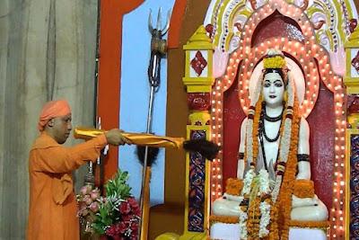 mathadhis yogi aaditynath gorakhpur mandir pramukh