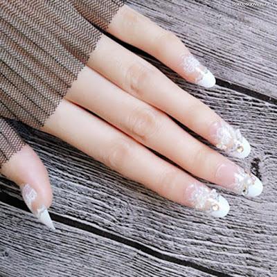 Uñas de novia con encaje