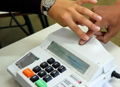 TSE exclui biometria nas eleições municipais. Café com Jornalista