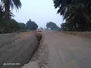 प्रधानमंत्री सड़क विभाग की लापरवाही से हो रही दुर्घटनाए