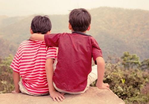 Kakak dan Adik Rukun