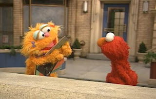Zoe leaves from scene and also she gets the pictures she likes. Elmo shows a drawing of Elmo playing the piano. Sesame Street The Best of Elmo