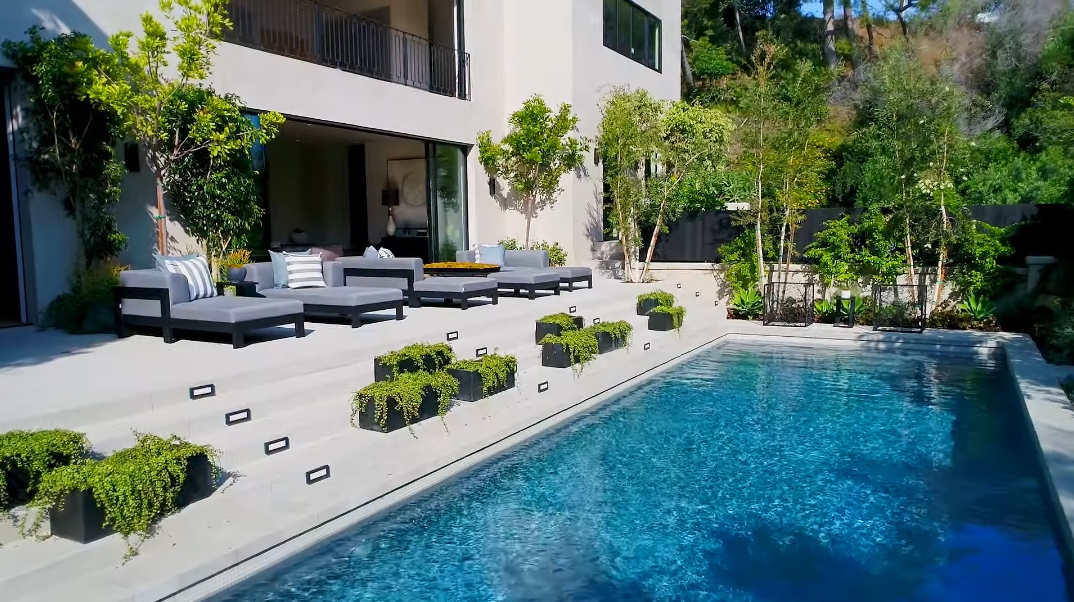 58 Interior Photos vs. Tour 1317 Delresto Dr, Beverly Hills, CA Ultra Luxury Modern Mansion