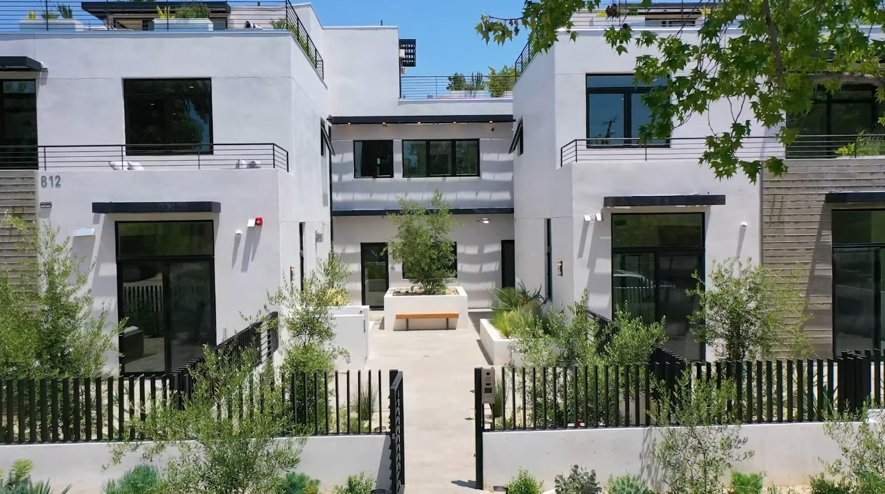 22 Photos vs. 812 HUNTLEY DR #105, West Hollywood CA vs. Luxury Home Interior Design Tour