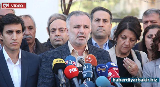 DİYARBAKIR-HDP Eş Genel Başkanları Selahattin Demirtaş ile Figen Yüksekdağ ve 7 milletvekilinin tutuklanmasından sonra Diyarbakır'da toplanan HDP Meclis Grubu ve MYK aldığı kararı açıkladı.