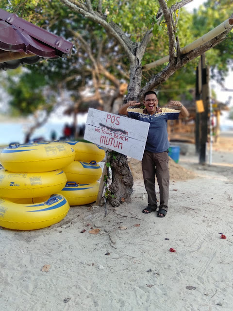 Pasir Putih di Pantai Mutun Lampung